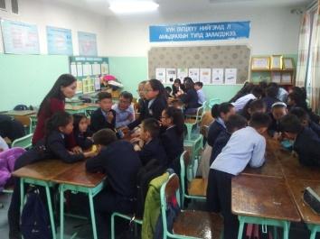 "6th grade homeroom classroom ""What is Health?"" scenario discussions"
